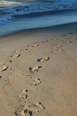 Ocean and footprints